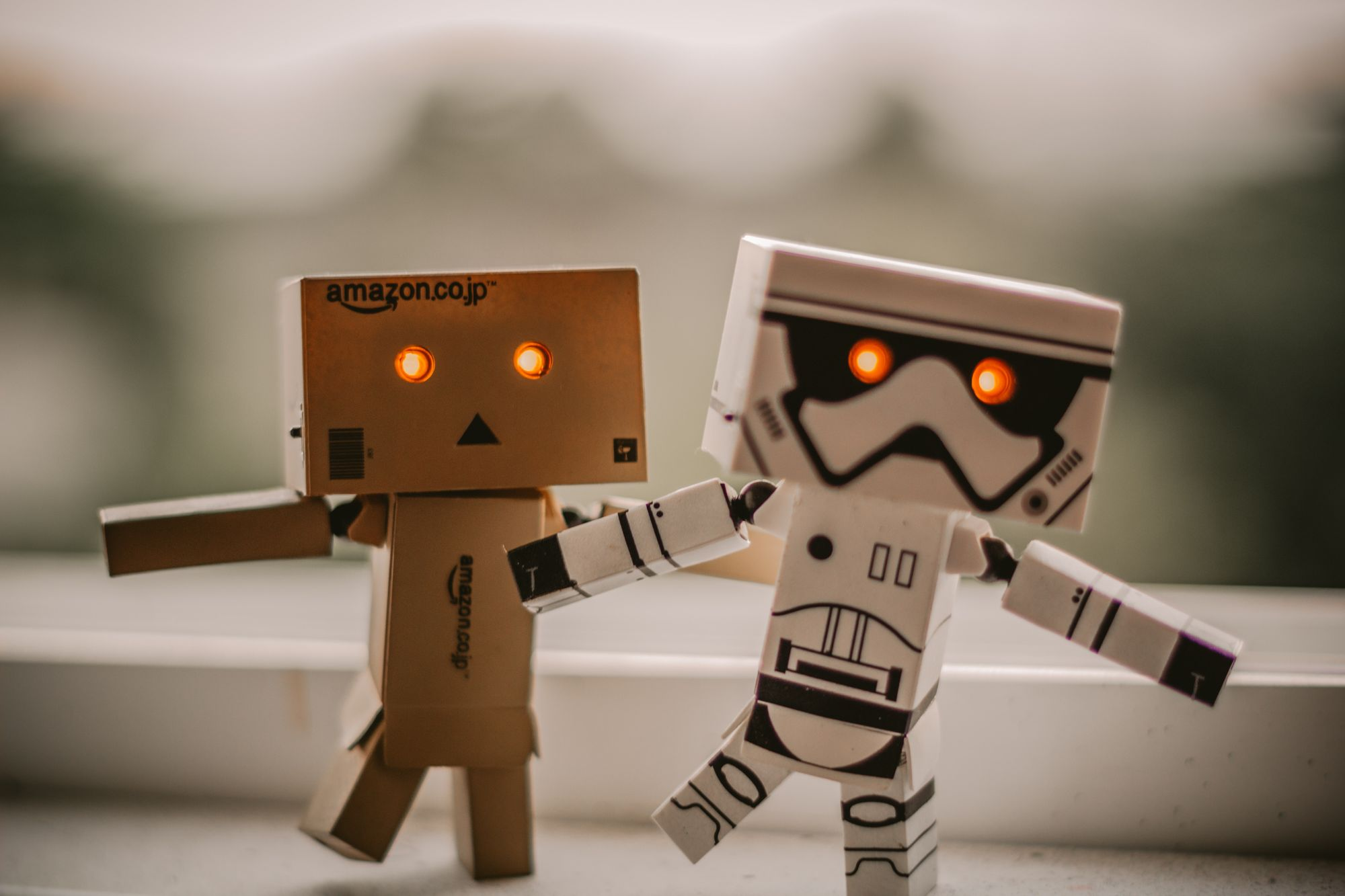 Let the chatbots assist your visitors